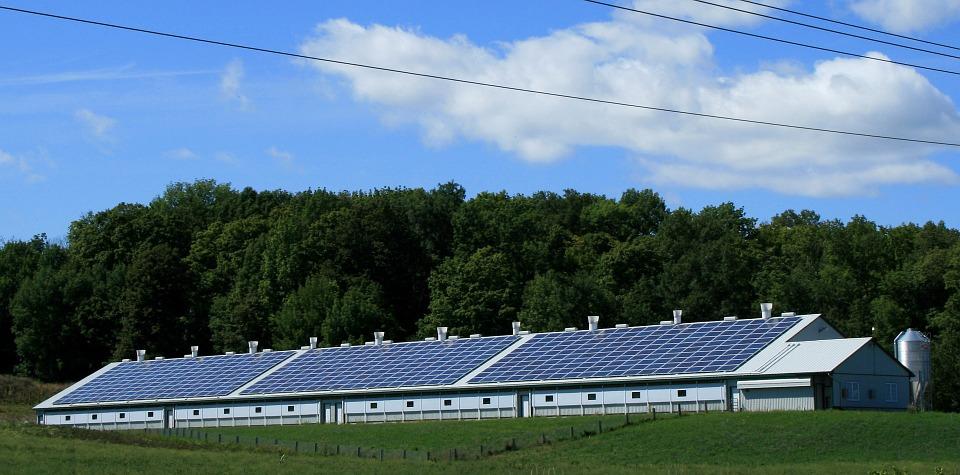 Conti energia: tra incentivi, finanziamenti e la vendita di energia
