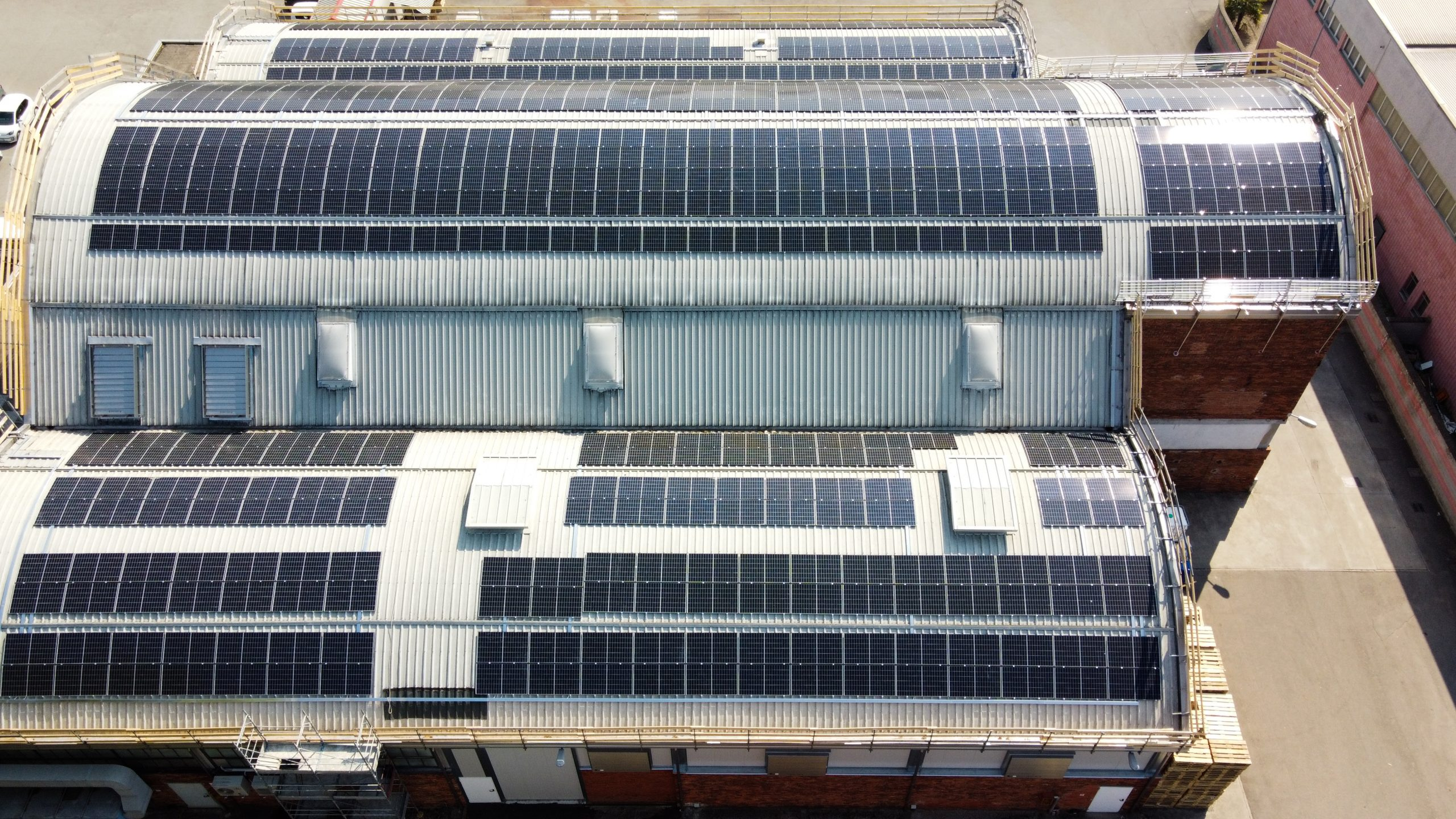 Solarplay Industry: installazione fotovoltaico di 200 kWp su un'azienda in Lombardia con tetti a volta