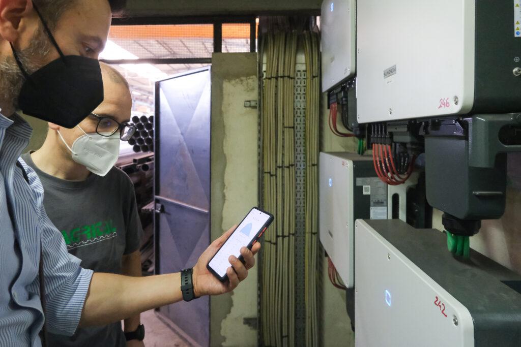 Luca Rinieri testa l'app per la gestione degli inverter